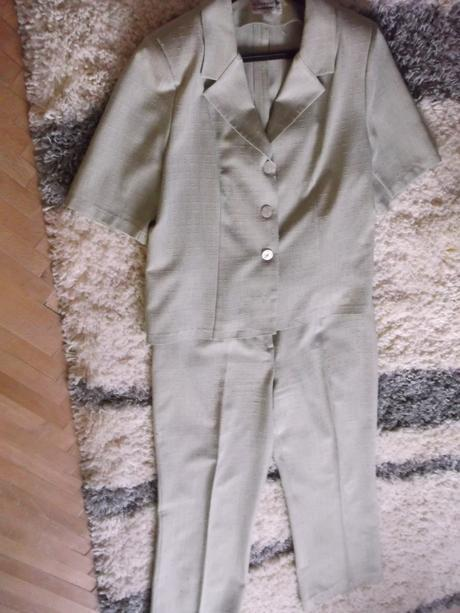 Dámsky nohavicový kostým s blúzkou, 46