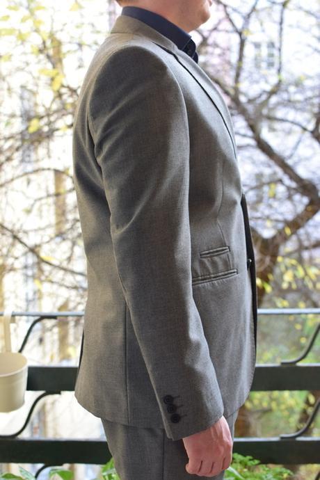 Slušivý pánský oblek šedý, 50