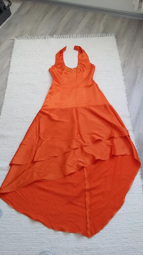 Saténové oranžové šaty, 40