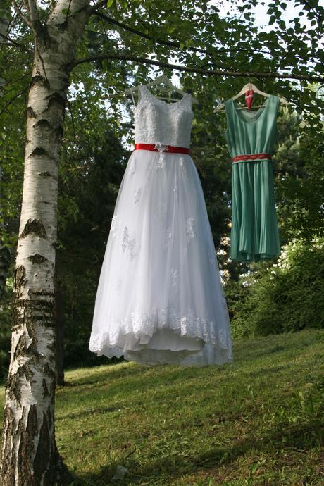 svadobné folklórne šaty , 40