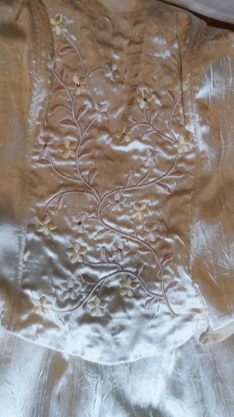 Krémové korzetové šaty, S