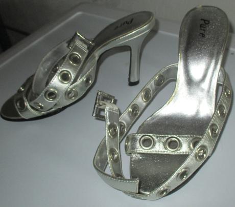 Strieborne sandále, 36
