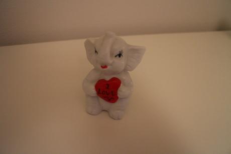 "Keramický slon s nápisem ""I love you"","