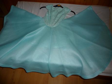 šatočky s mega sukňou, 38