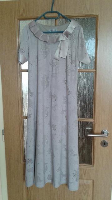 malé spoločenské šaty, 46