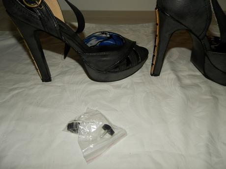Nenosené štýlové sandálky 38 so zlatými opätkami, 38