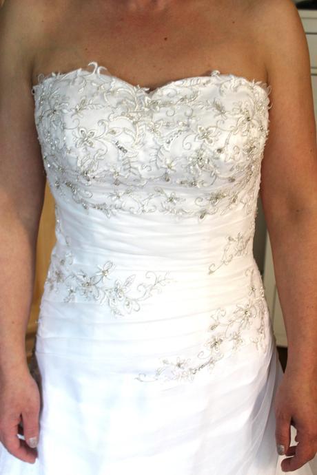 Svatební šaty šité na míru, 38