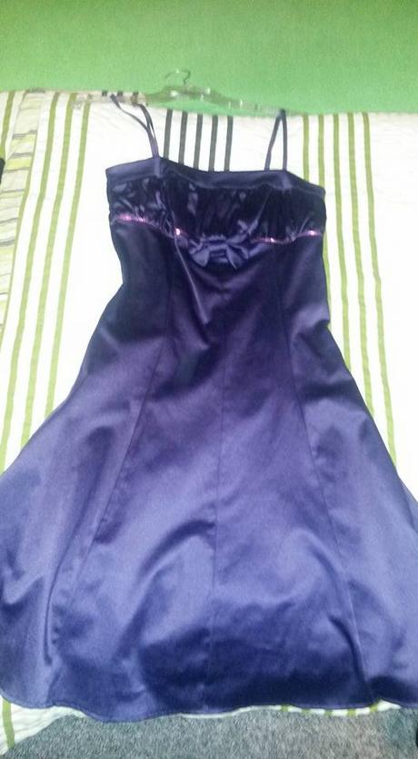 Šaty fialové barvy velikost M-elastické, M