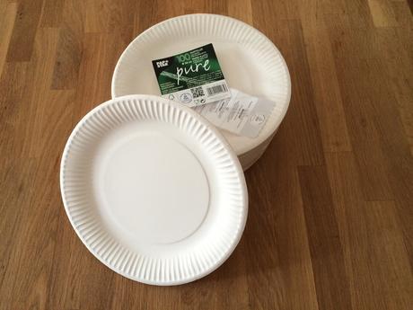 100 ks Papírové talíře s ozdobným okrajem, 23 cm,