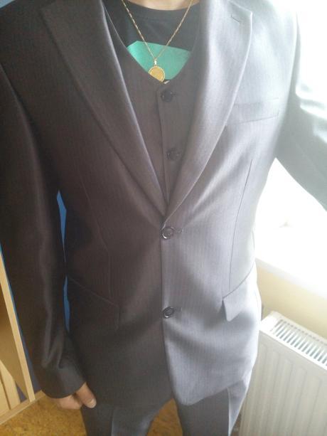 Pánský oblek s vestou , 48