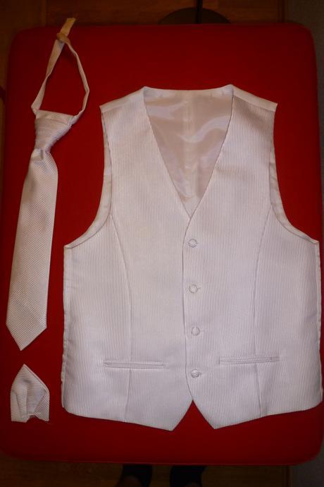 Biela svadobná vesta, 48