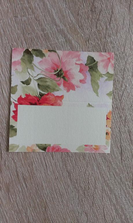Menovky na stôl - ivory a farebné kvety,