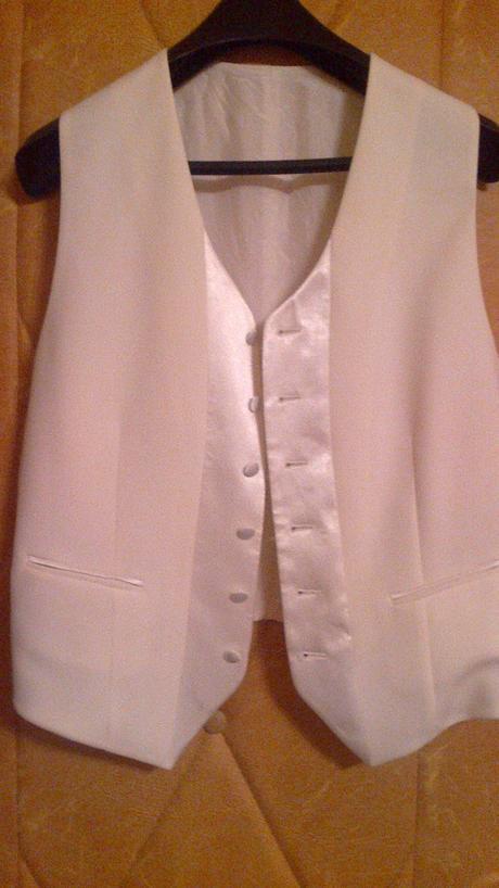 Svadobný oblek na predaj, 50