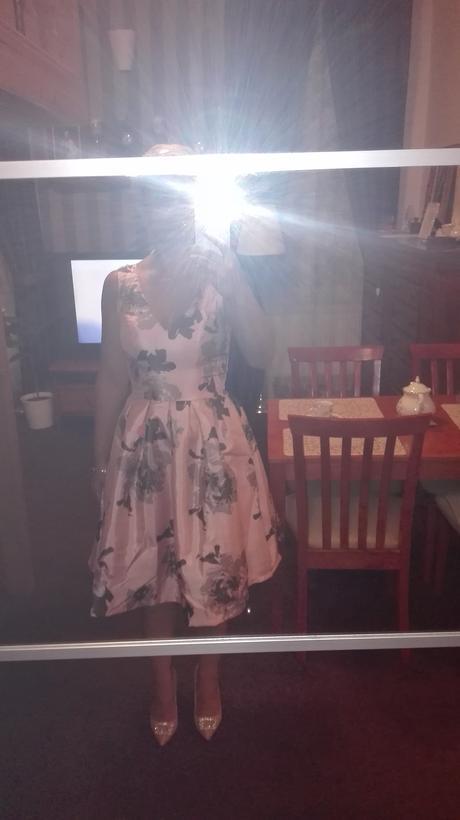 Šaty s květy , 36