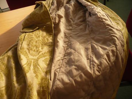 Zelenošedý kabát , 40