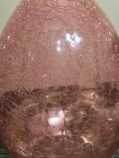 Sklenené veľkonočné vajíčko,