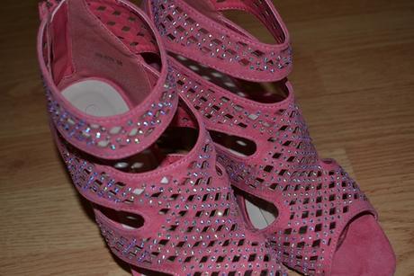 Sandálky s kamienkami, 38