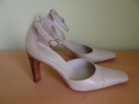 Béžové kožené topánky zn. Sebastiano , 35