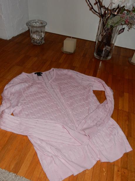 Ružový sveter, 38