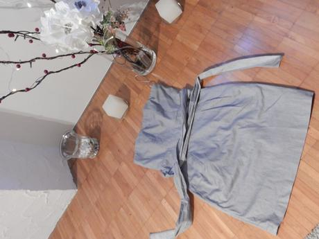 Sivé šaty, 36