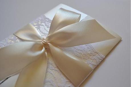 Stuha na svadobné oznámenia alebo sviečky,
