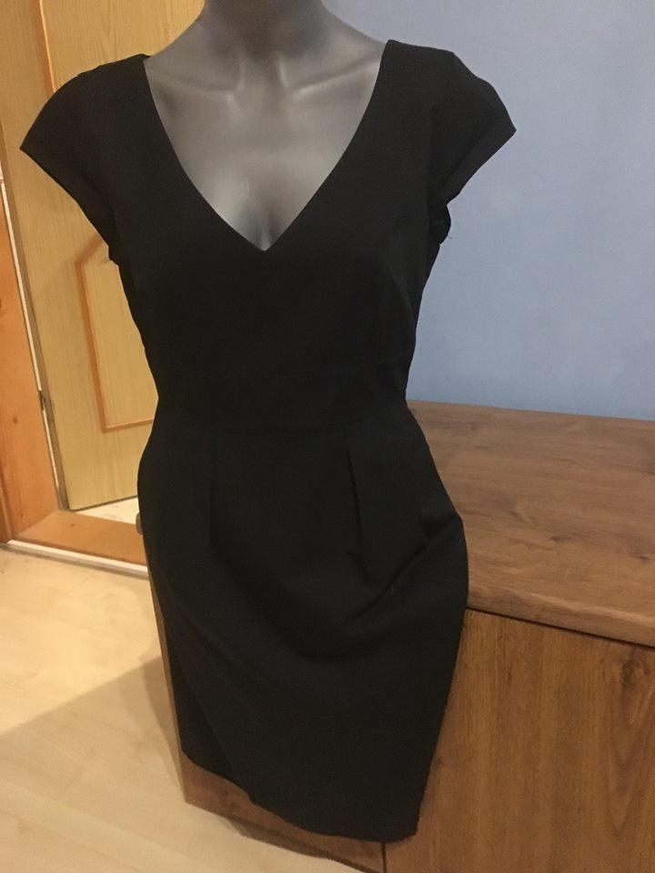 047ee738a146 Čierne púzdrové šaty - hm