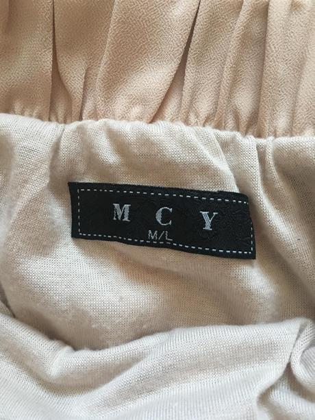 asymetrická sukňa, M