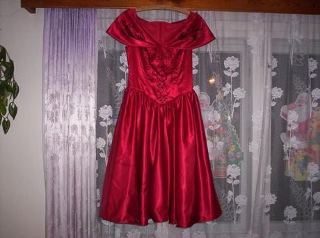 šaty červené, 38