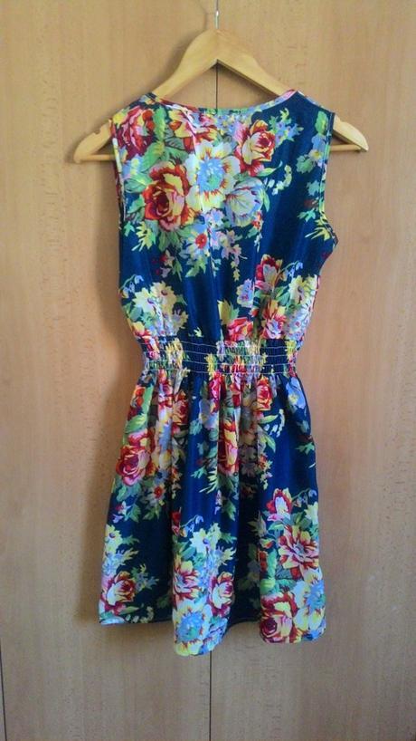 Letné kvetované šaty, 38