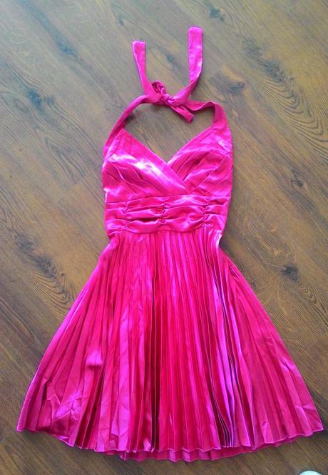 Ružové (cyklamenové) šaty, 38