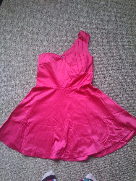 spoločenské ružové šaty, 38