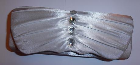 Biela kabelaka s perleťovým nádychom,