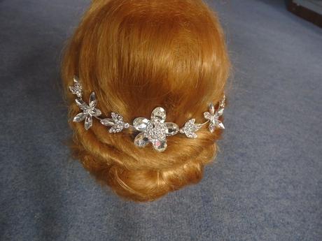 Ohybná vlasová ozdoba s kvetmi,