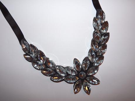 Strieborné kameňové náhrdelníky,