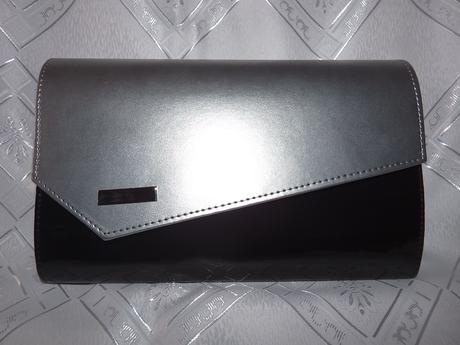 Strieborno-čierna kabelka,