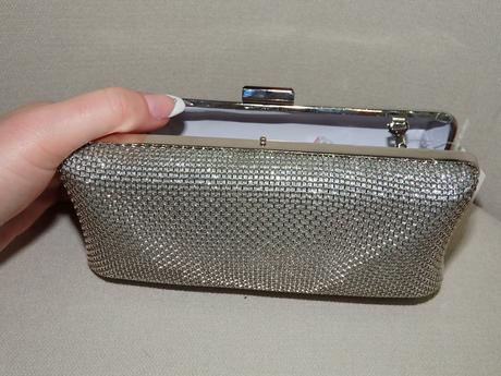 Strieborný kufríček - kabelka,