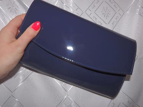 Tmavo-modrá kabelka,