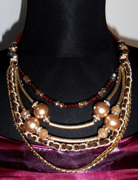 Zlato-hnedý náhrdelník,