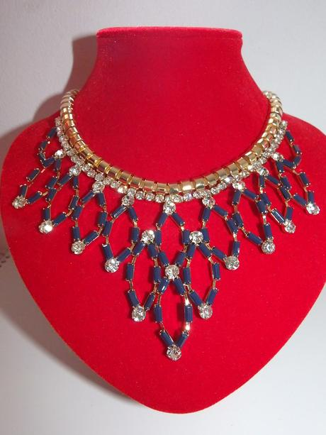 Zlato-modrý náhrdelík,