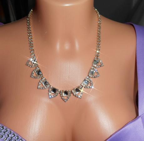 Zlatý elegantný náhrdelník,
