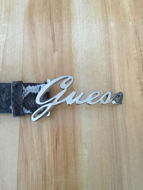 Kožený opasok Guess,