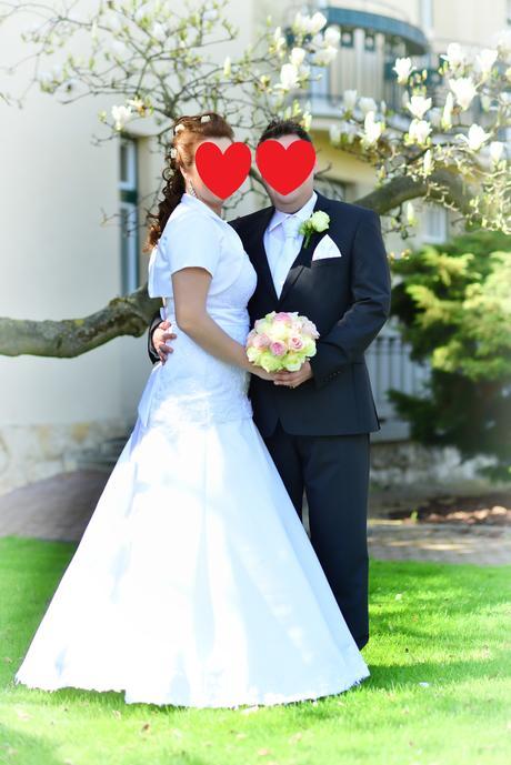 svadobné šaty s krajkou, 40