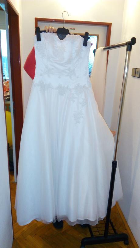 Svatební šaty šité na míru, 39