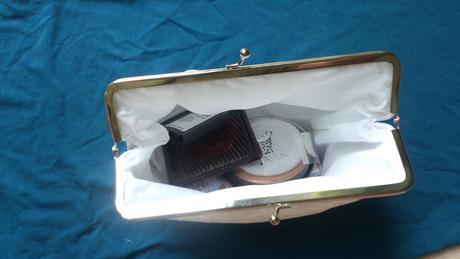 Krajková kabelka pro nevěstu,