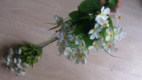 Umělé luční květiny,