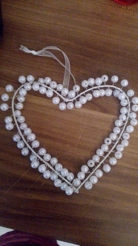 srdce z perel na zaveseni,