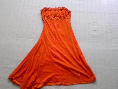 Spoločeské šaty, 38