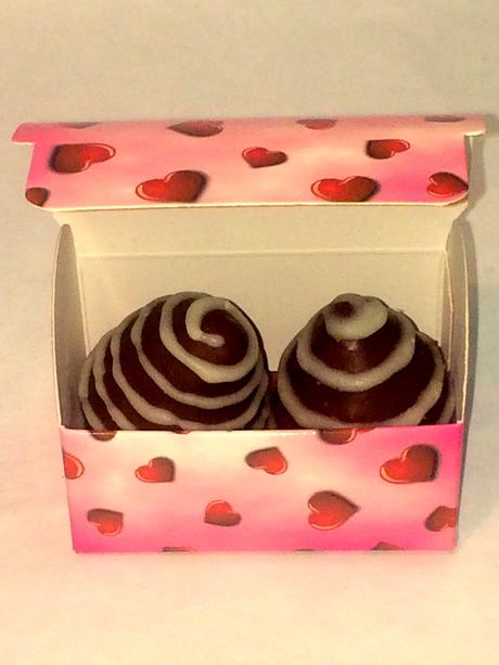 darček pre hostí - svieže jahody v čokoláde ,