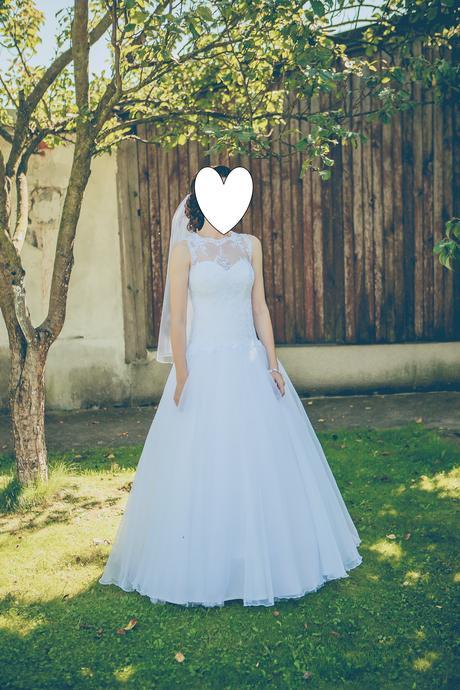 šťastné svadobné šaty, 38