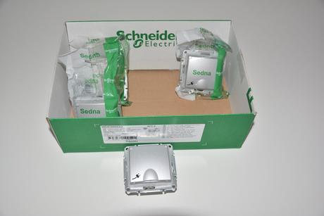 Nepoužité zásuvky Schneider Sedna, 4 ks, IP44,